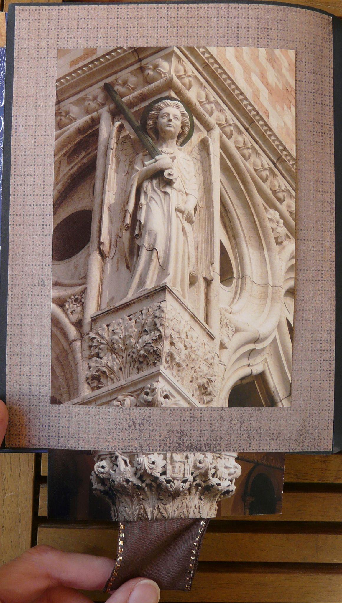 Venise -6- Sculptures sur colonne