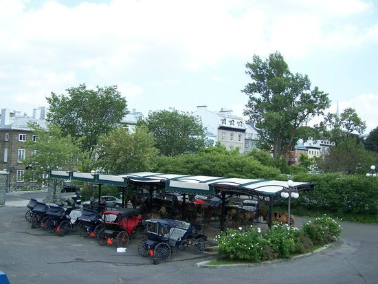 le-poste-des-calechiers parc de l'esplanade