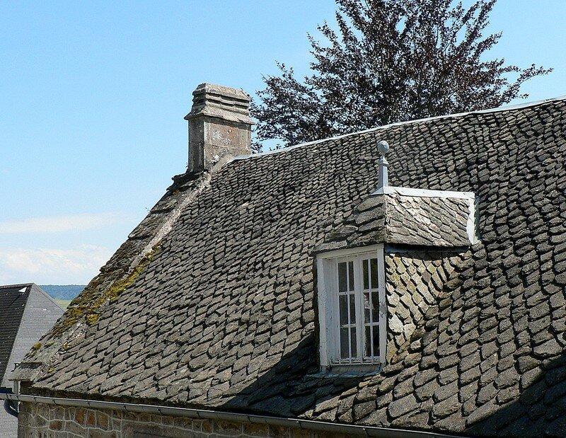 toit de lauzes à La Tour d'Auvergne