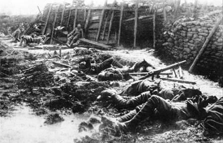 westfront_07_fallen_british_soldiers_fromelles_20_july_1916_sml1