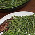 Haricots verts frais au beurre frais, ail emince et persil