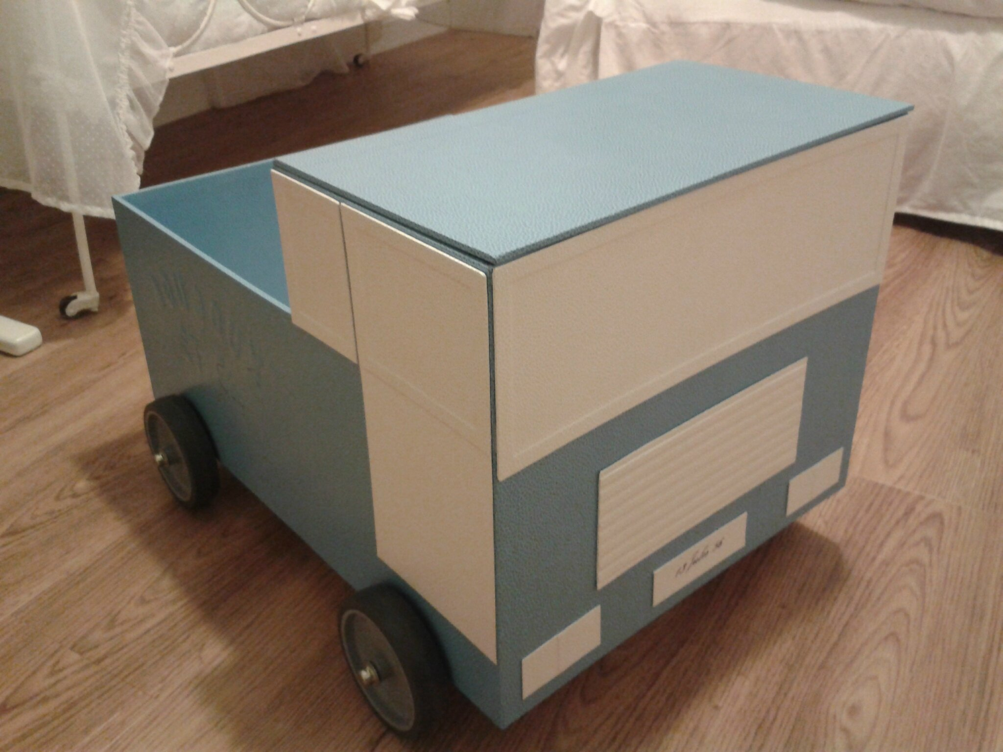 Coffre à jouets camion de Jules