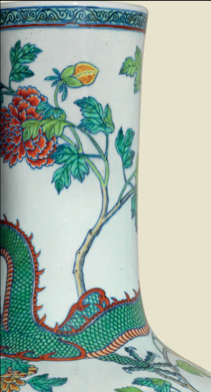 A large and impressive doucai 'Dragon and Phoenix' bottle vase, Qianlong period (1736-1795) 3