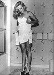1951_LoveNest_Film_051_010_1