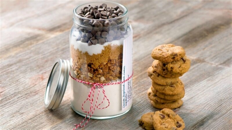 chocolate_gingerbread_crunch_cookies_-_mason_jar_cookie_mix-020 (Large)