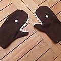 Les moufles-requins de timéo avec tuto.