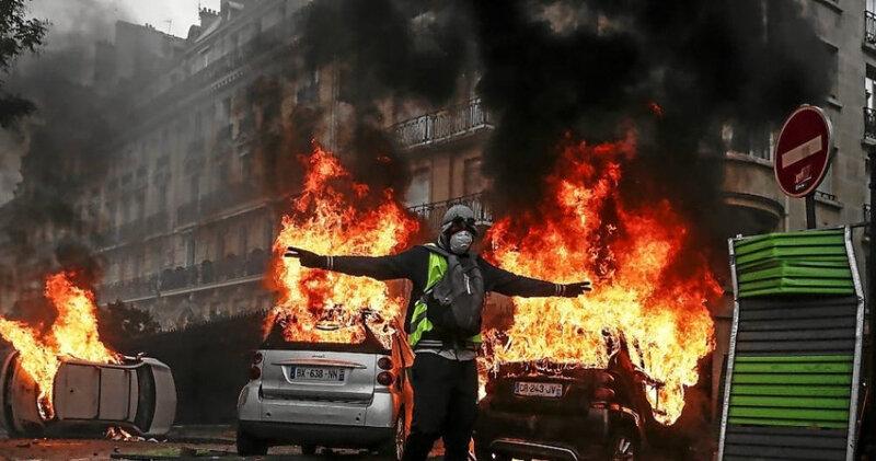 gilets-jaunes-a-paris-des-scenes-de-guerilla-urbaine-images_4300128_1000x526