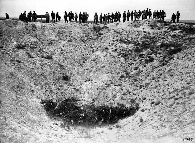 Crater à Vimy juil 1918