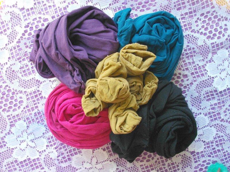 collants-opaques-bleu-violet-noir-recyclage