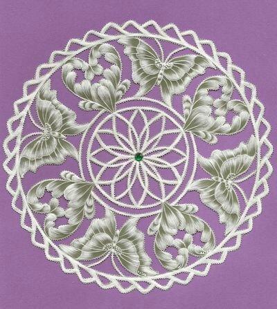 coeurs et papillons d'après un modèle de parchment craft d'avril 2011 ( janvier 2012)