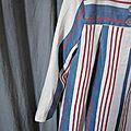 manteau d'été en lin rayé écru, navy et rouge (3)