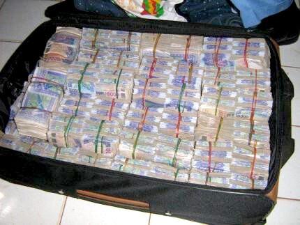 Valise magique pour devenir riche grâce à la franc maçonnerie
