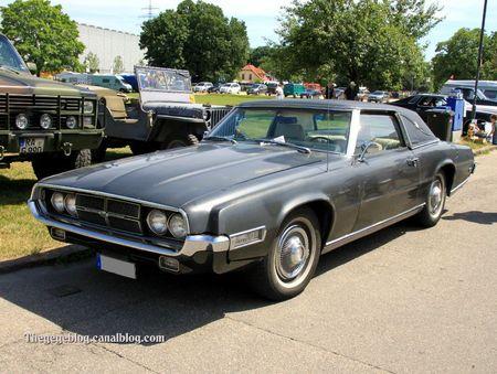 Ford thunderbird coupe de 1969 (RegioMotoClassica 2011) 04