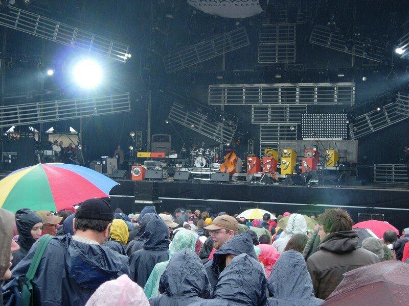 Attente sous la pluie pour San Severino