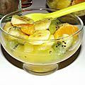 Salade de fruits exotiques au vinaigre à la pulpe de fruit de la passion
