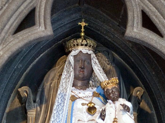 Guingamp, Notre Dame de Bon Secours, détail