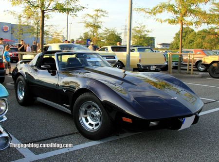 Chevrolet corvette stingray (Rencard du Burger King septembre 2011) 01