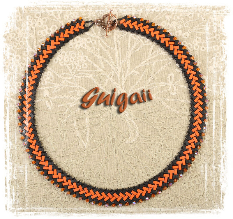296 Collier Azteca noir_orange