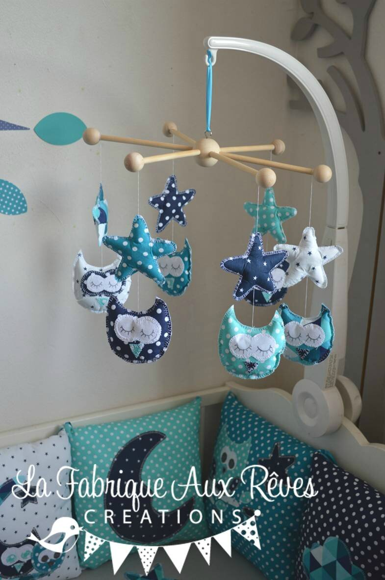 mobile éveil bébé étoiles hiboux turquoise caraibe blanc pétrole bleu marine