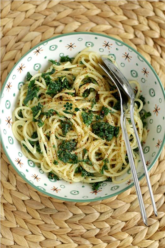 Spaghetti chou kale, ail et piment d'Espelette_1