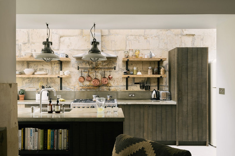 A-Cooks-Kitchen-That-Combines-a-Modern-Rustic-Aesthetic-With-Industrial-Style-8