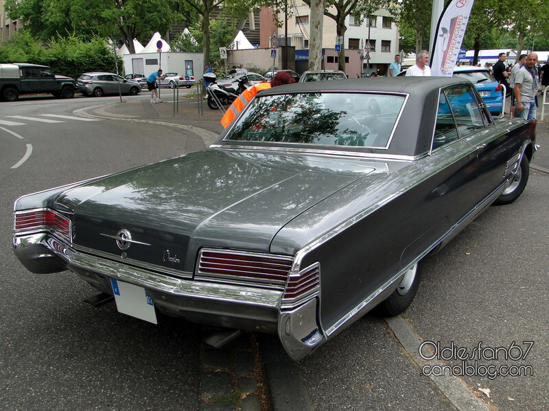Chrysler 300 hardtop coupe-1966-02