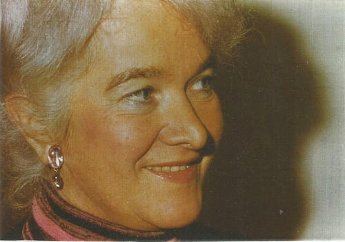 Lucienne Desnoues sur le site du Salon littéraire.