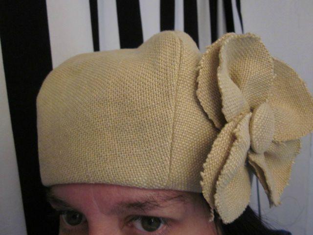 chapeau en lin ocre fâné avec fleur (2)