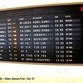 Qantas First Class Lounge - Panneau des vols Qantas
