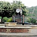 03 08 005 Rond- point horloge Cahors (1) (Medium)