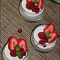 Verrines de mousse chocolat blanc amande et fruits rouges