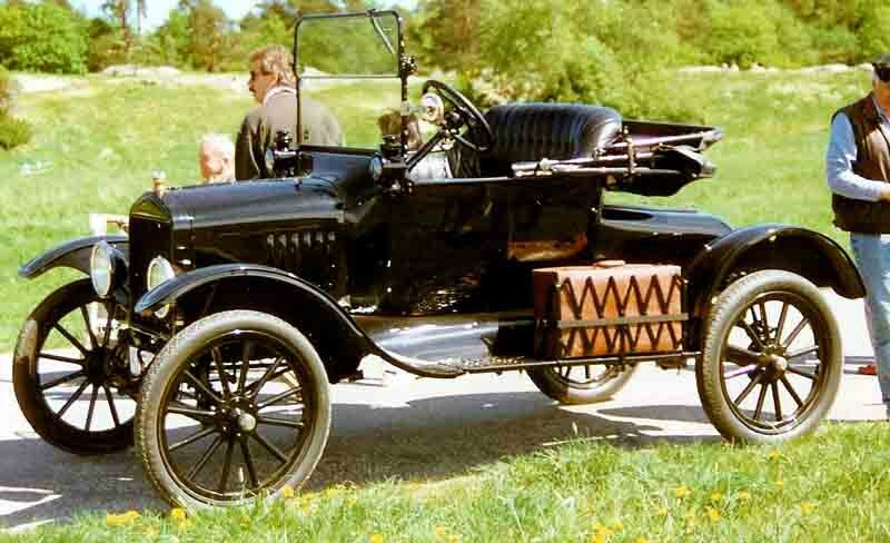 1917_Ford_Model_T_Runabout