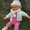 Le monde Waldorf - la poupée avec les arts mobiles