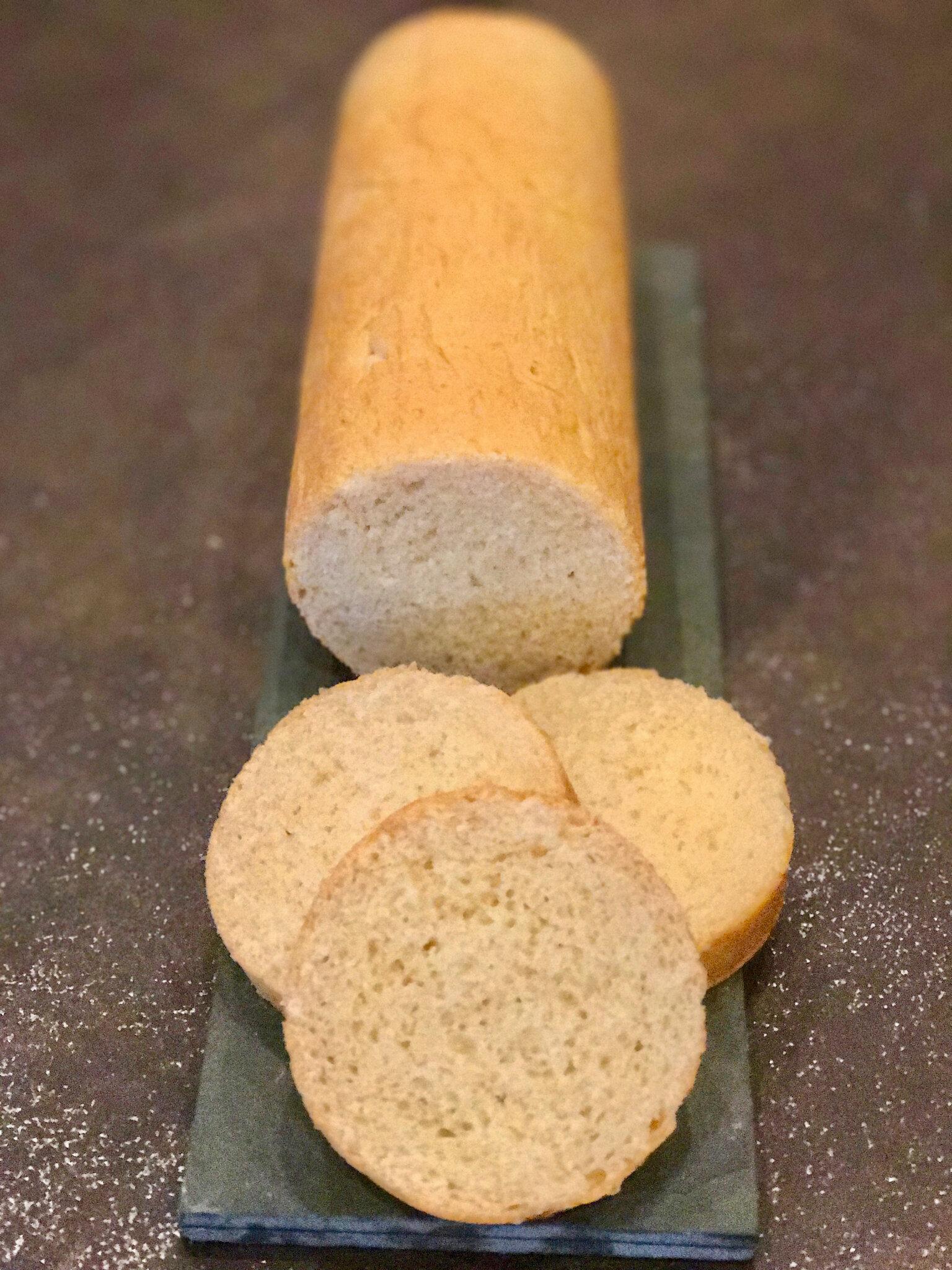 Roulé à la main sous les Aisselles (pain pour toasts et canapés)