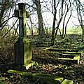 Poème : les tombeaux abandonnes