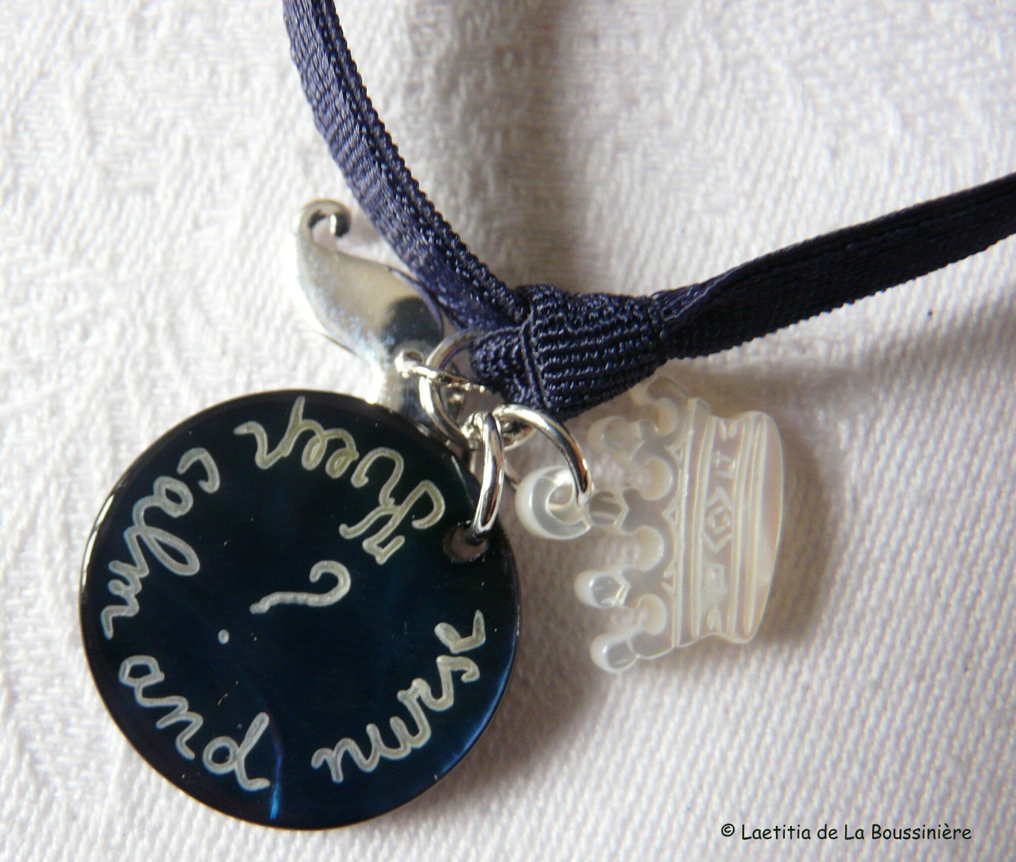 Bracelet d'allaitement sur ruban élastique (détail)