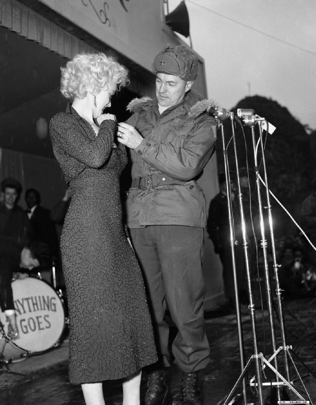 1954-02-17-korea-grenadier_palace-stage-160th_infantry_regiment-with_col_johnEkelly-by_walt_durrell-1