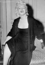 1955-01-28-NY-2-Gladstone_Hotel-sofa-012-1