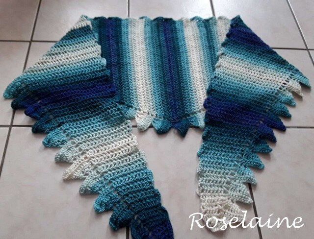 Roselaine Side to side crochet shawl 2