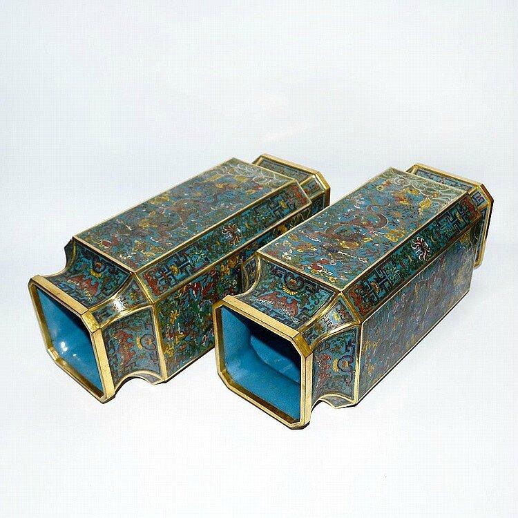 A Pair of Rare Cloisonné Enamel Octagonal Dragon Vase Zun, Qing Dynasty, Qianlong5