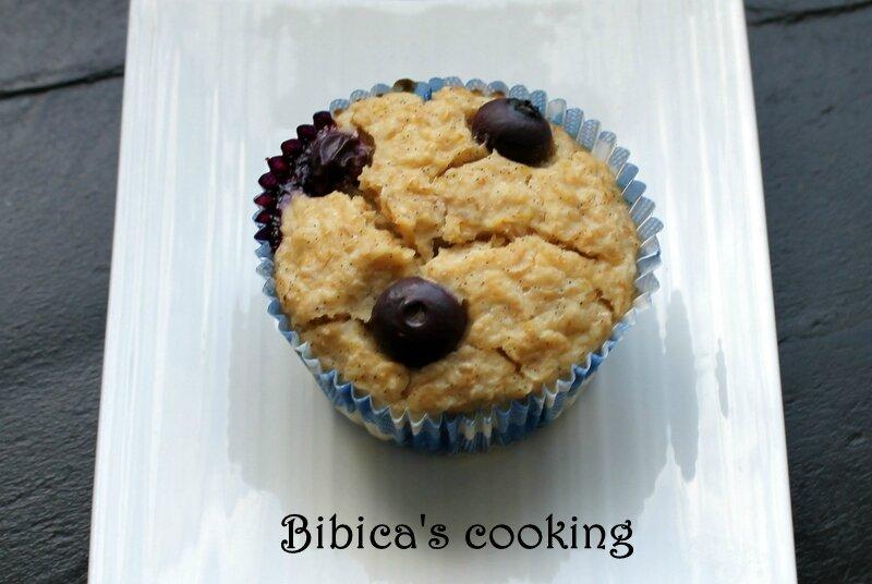 Muffins aux myrtilles et flocons d'avoine haut