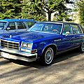 Buick electra 225 park avenue sedan de 1977 (Retrorencard avril 2011) 01