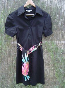 robe_noir_foulard