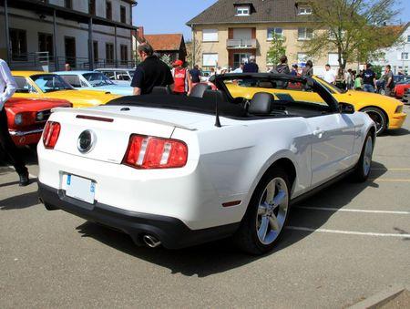 Ford mustang GT convertible de 2011 (7ème bourse d'échanges autos-motos de Chatenois) 02