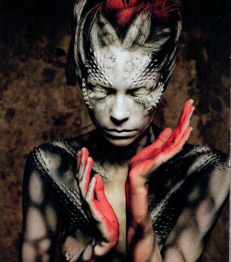 un-exemple-des-merveilleux-talents-de-ce-magicien-des-pinceaux-qui-transforme-les-jeunes-femmes-en-alien-grace-au-body-painting_119204_w460