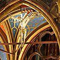 Au-dessus de l'autel