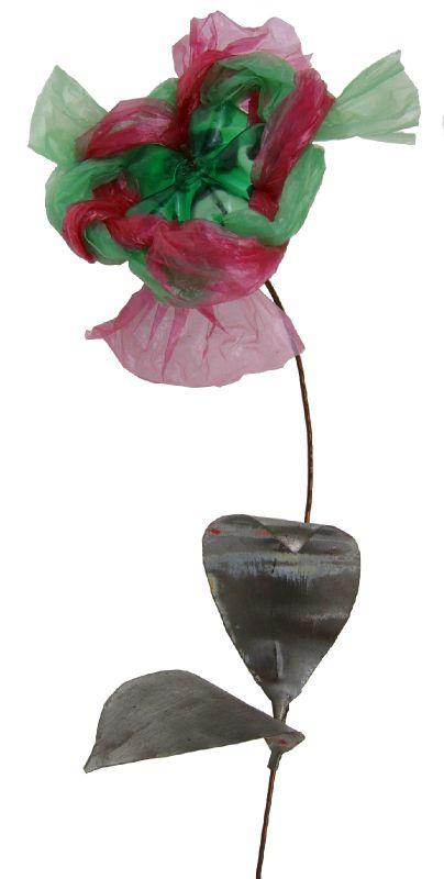Déchets plastiques valorisation PET - Fleur rose et verte Ghislaine Letourneur - Objet Art Création Recyclage récupération