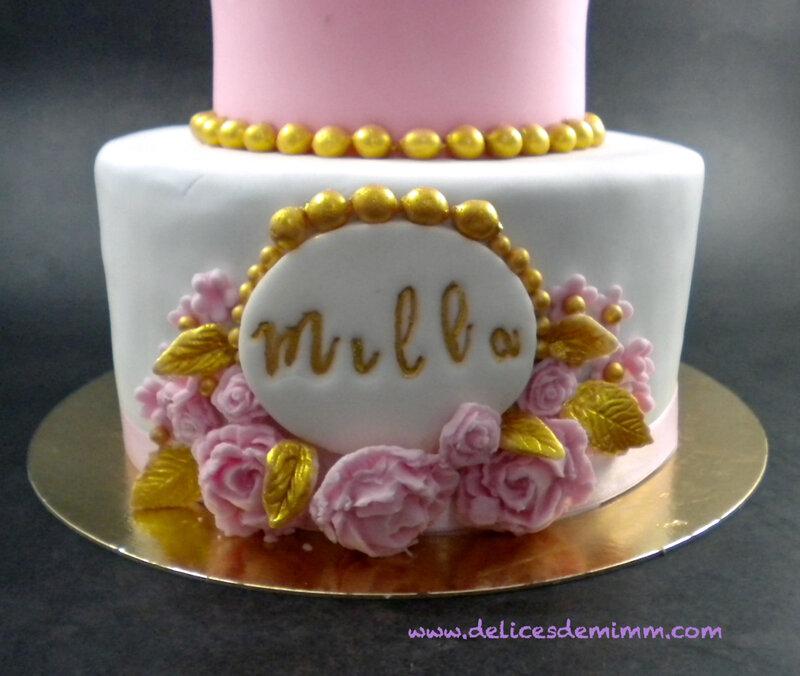 Un gâteau et des cupcakes pour une baby shower 6