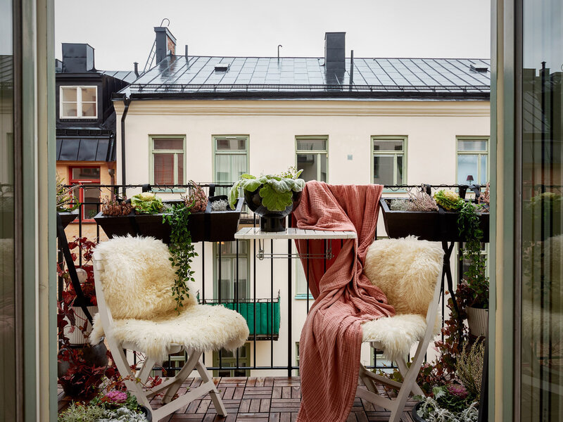 Cozy Scandinavian home styling by Rydman & photos by Ozzolapa