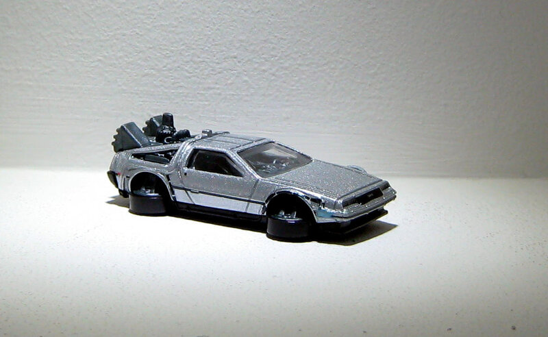 DMC Delorean Time machine hover mode (Hotwheels 2016) 02